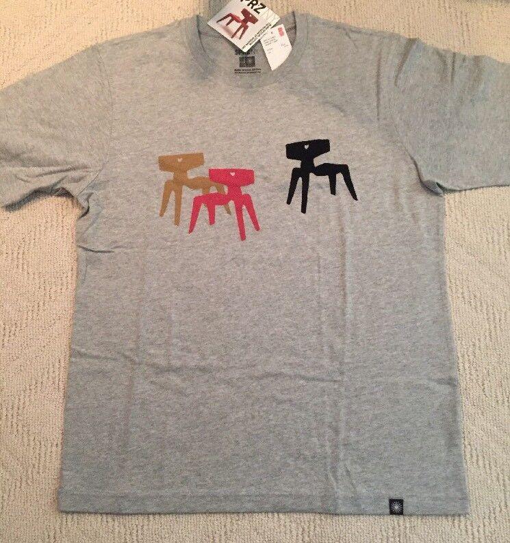 EAMES x UNIQLO '3 Chairs' Mid-Century Modern Design MoMA Art T-Shirt Größe Large