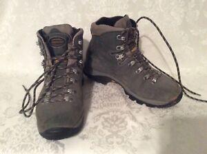 Zamberlan Gray Gore Tex Hiking Boots W Vibram Soles Flex Stm Size