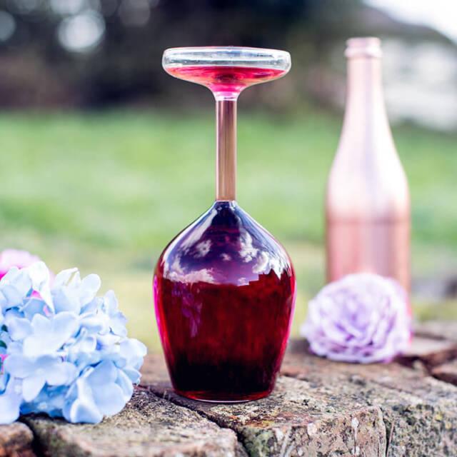 UPSIDE DOWN WINE GLASS - UNIQUE FUN CREATIVE PARTY GLASS 375ML