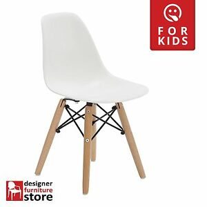 Replica-Charles-Eames-DSW-Kids-Chair-Beech-Wood-Legs-White