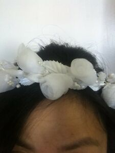 New-WHITE-ORGANZA-FLOWER-HEADPIECE-FOR-COMMUNION-FLOWER-GIRL-WEDDING