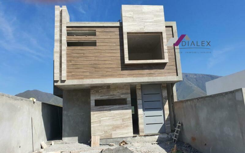Fraccionamiento Alamosur -CARRETERA NACIONAL- Casa en Venta Santiago N.L.