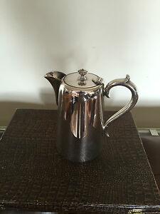 LOVELY-HOTEL-WARE-SILVER-PLATED-COFFEE-WATER-POT-1-PINT-CAPACITY-CP-2332