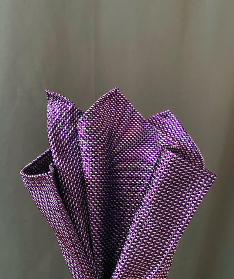 NWT! ARMANI COLLEZIONI HANDKERCHIEF Made In Italy 100% Silk Pocket Square
