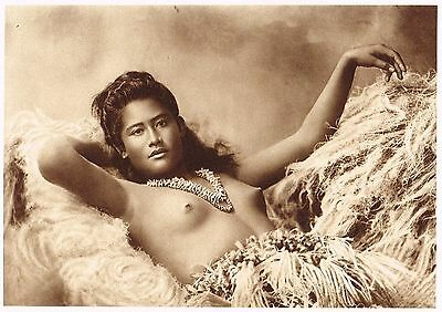 naked Polynesian girl