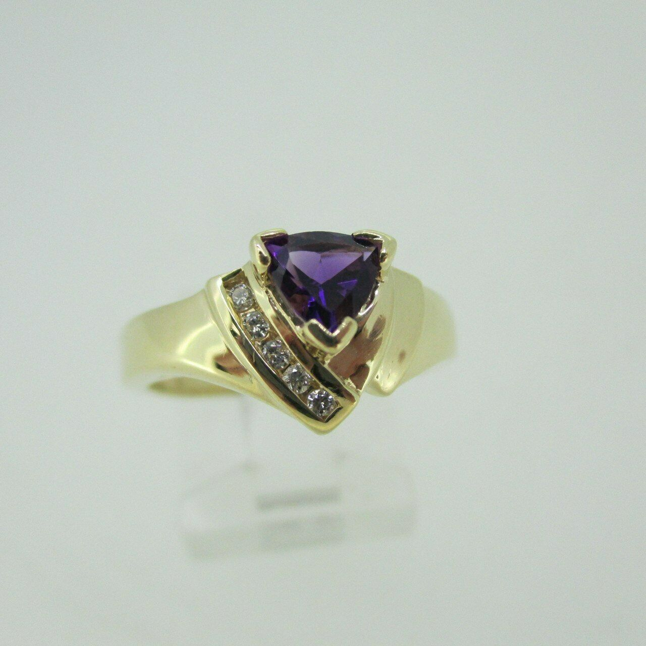 14k Yellow gold Trillion Cut Amethyst Ring with Diamond Accents Size 6 3 4