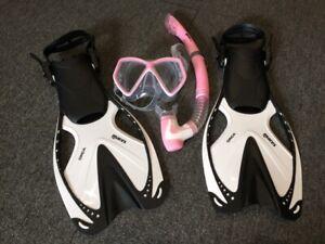 Mares-Junior-Pirate-Mask-Snorkel-amp-Orca-Fins-SM