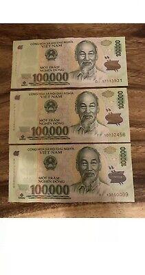 Vietnamese Banknotes Circulated Dong Cir. Vietnam 100,000 x 3 = 300,000 Vnd