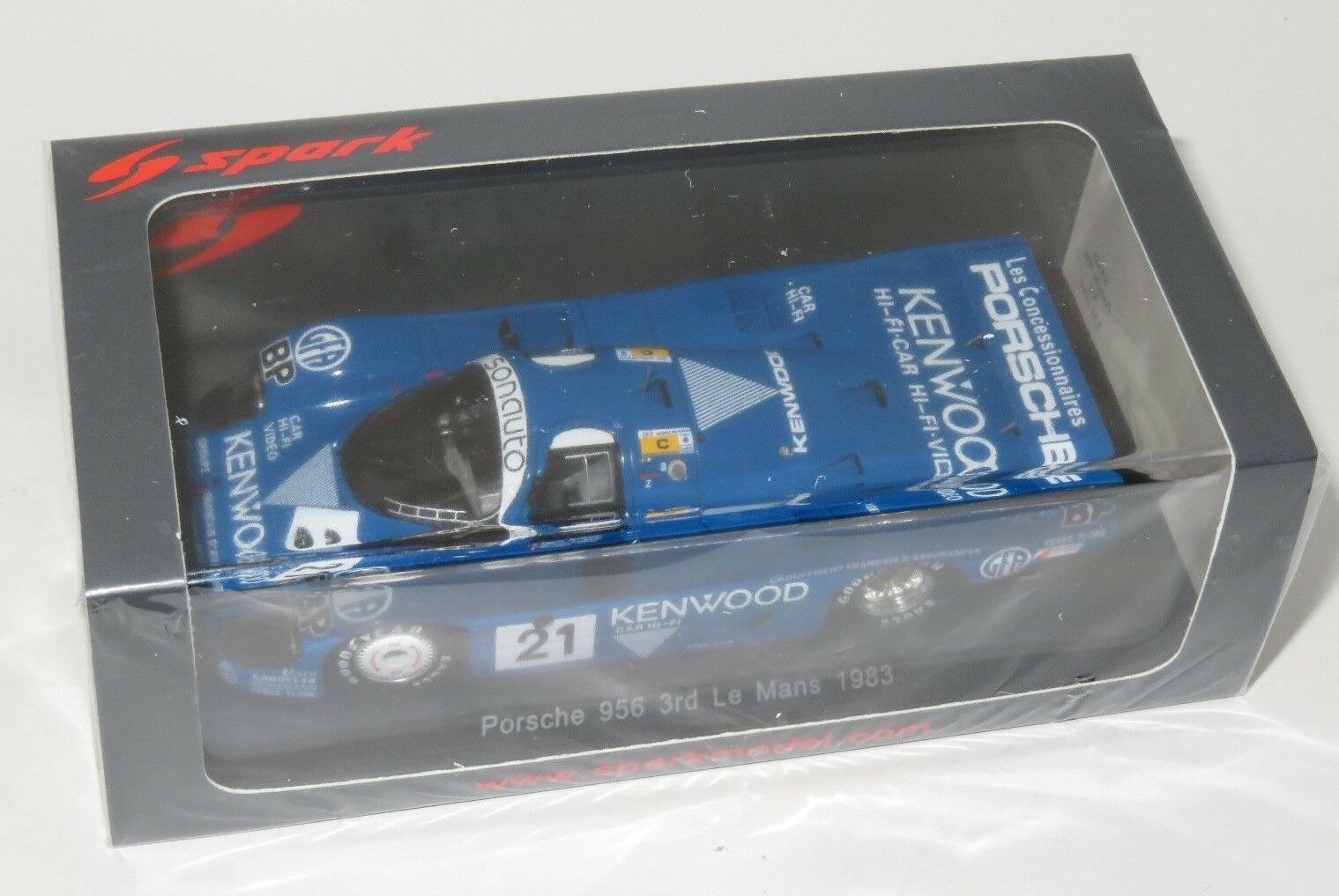 1/43 Porsche 956 Kenwood Porsche Kramer Racing Le Mans 24 horas 2018 21