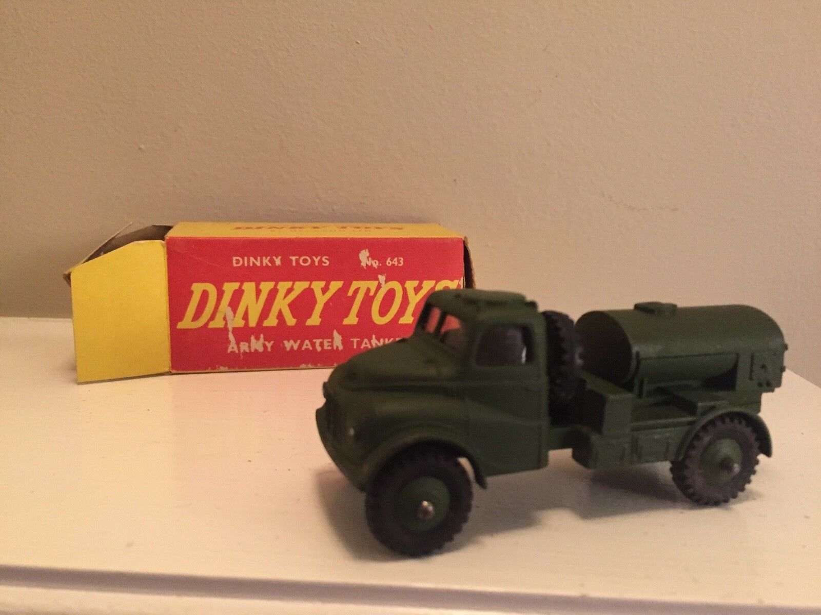 DINKY TOYS 643 ARMY WATER TANKER IN ORIGINAL BOX