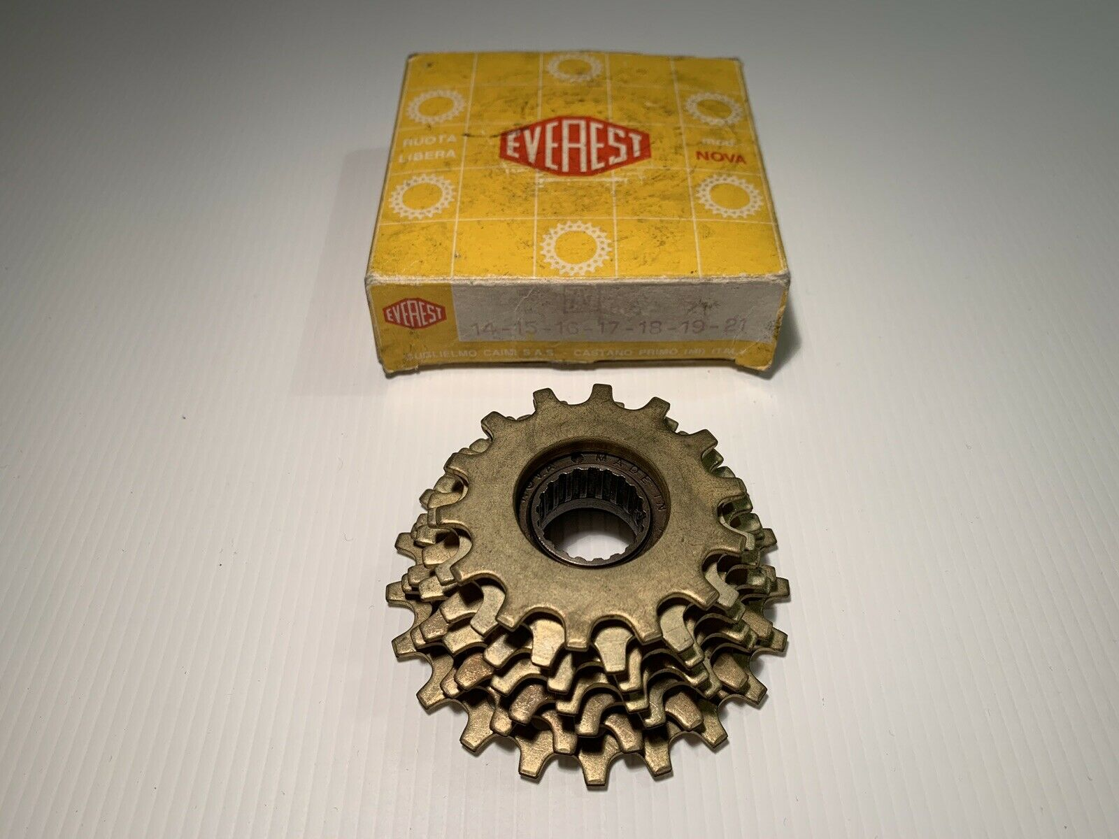 VINTAGE NOS EVEREST MOD NOVA Gold 7v FREEWHEEL 14-21 STEEL VINTAGE BIKE COLNAGO