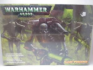 WARHAMMER-40K-49-06-GUERREROS-NECRONES-NECRON-WARRIORS