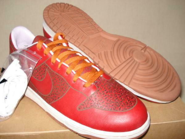 NIKE DUNK LOW 1 PIECE Sneakers US 11 Collector Hawaii Event Model Only 150 Rare