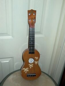 Universal Worldwide Trading Hawaii Ukulele