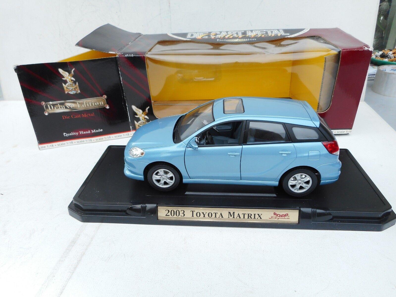 2003 Toyota CGoldlla Matrix XR Diecast Model Blau Road Signature 1 18 NM BOX