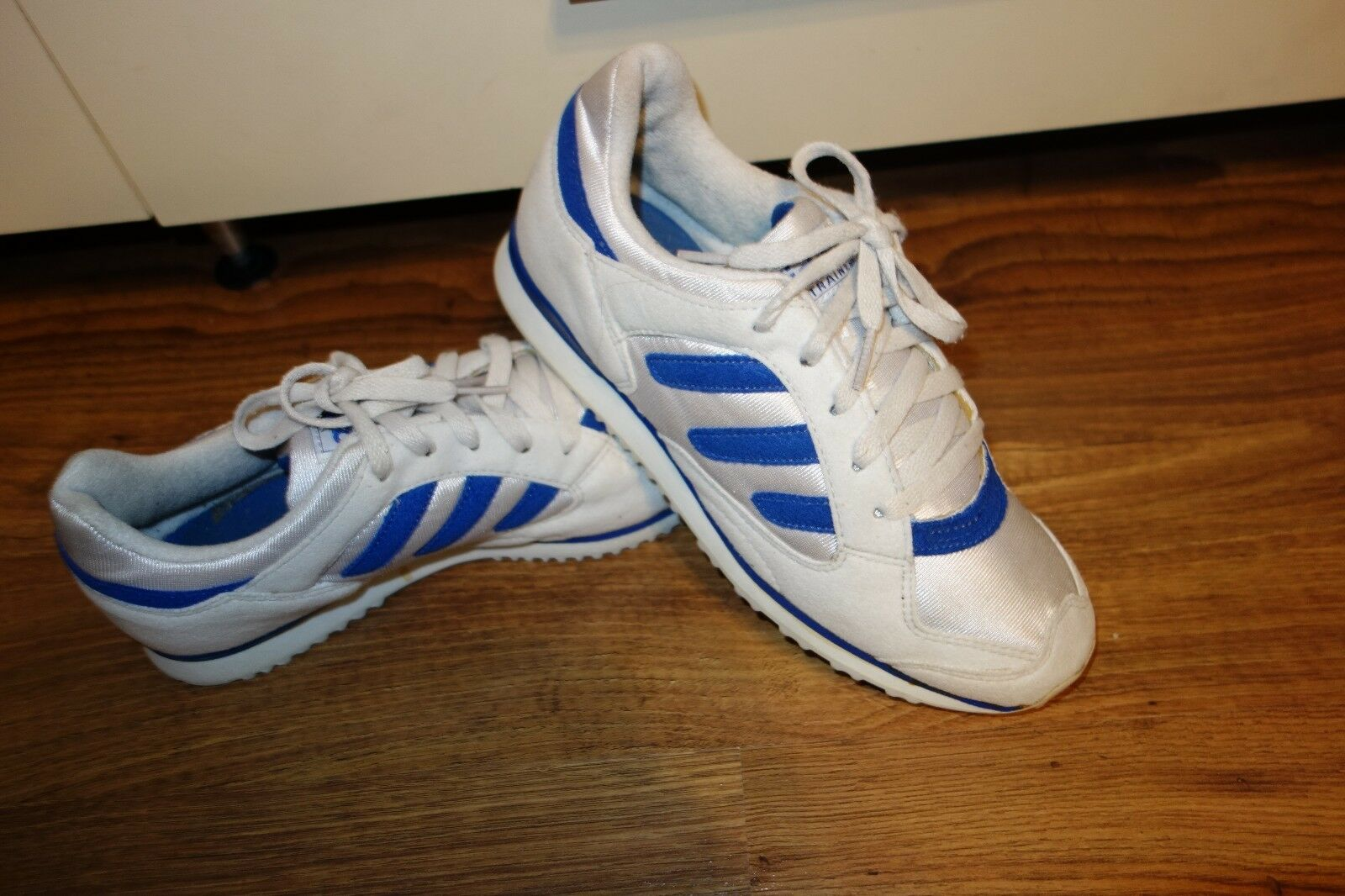 VINTAGE '94 ADIDAS TECH TRAINER 036888 UK 6, EU 39.5  VERY GOOD CONDITION