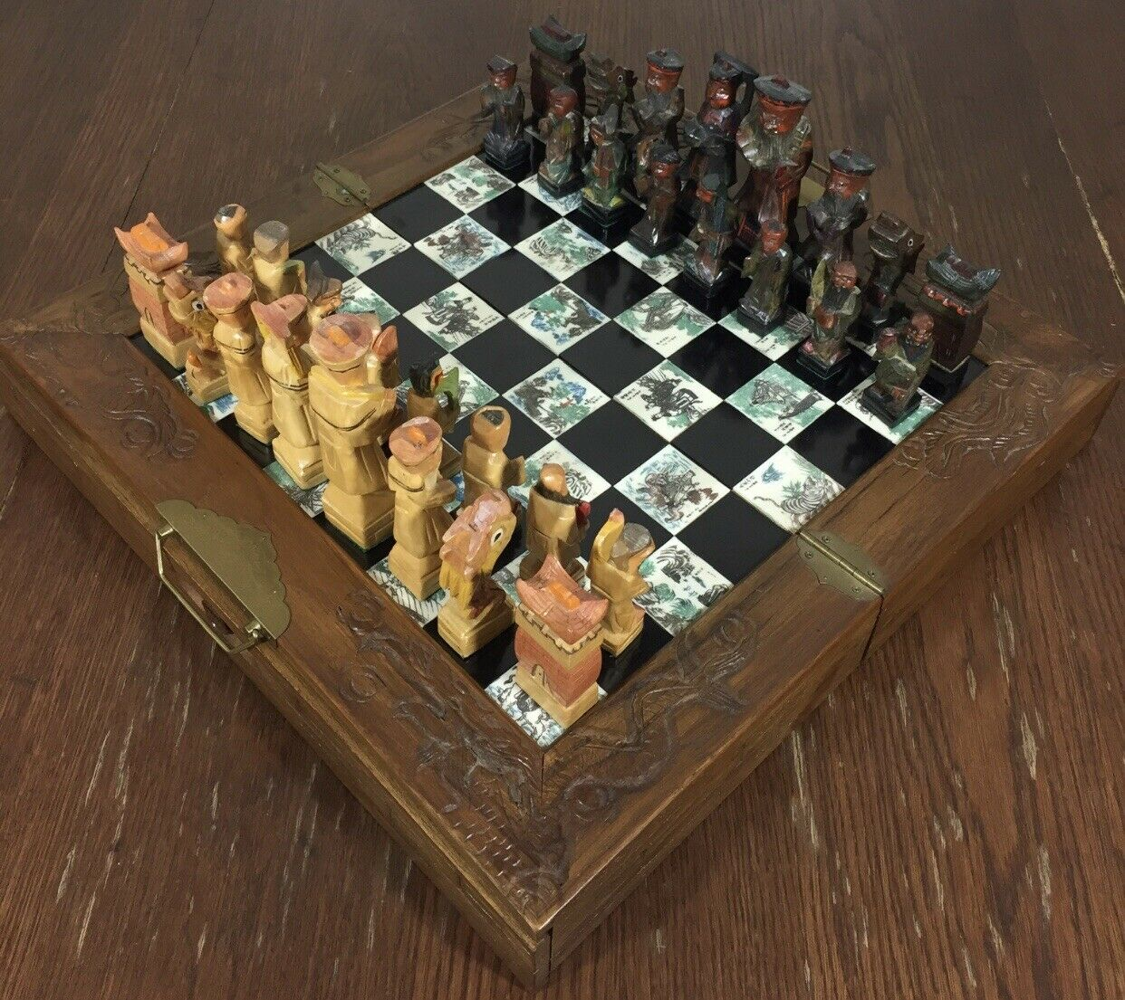 Oriental Hand Carved & Painted Chess Set. Fine Board Box. Box. Box. dc11bd