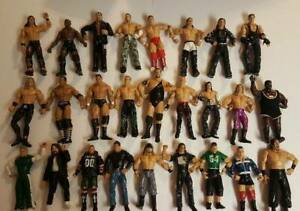 Large-Lot-of-26-WWE-Wrestling-Figures-1999-2005-Vintage-Jakks-Pacific-Wrestlers