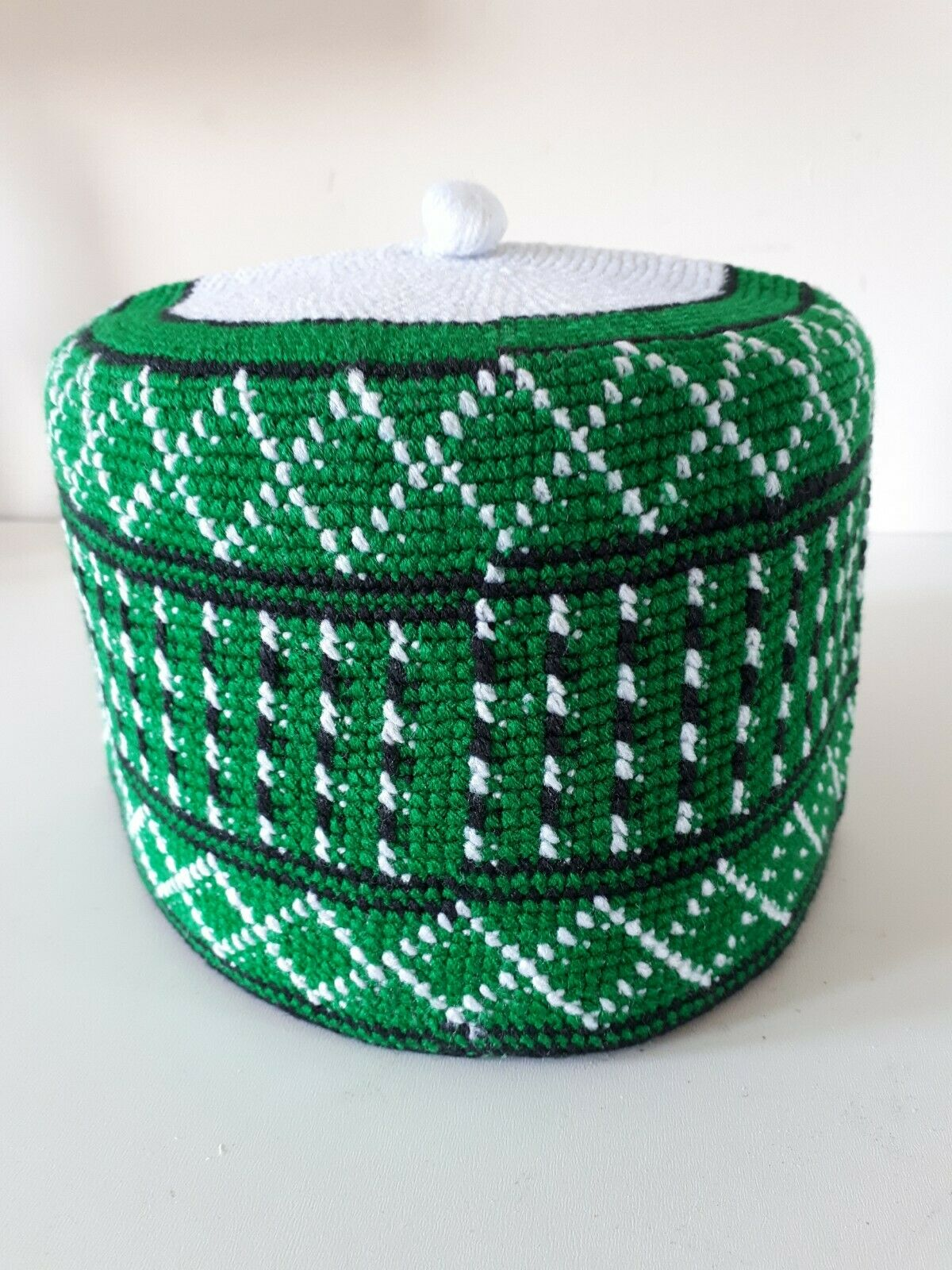 NEW NIGERIAN TRADITIONALLY HAND WOVEN HAUSA HAT SIZE 23in GREEN