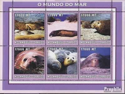 Mozambique Never Hinged 2002 World Of Marine Refreshment Stamps Mozambique 2698-2703 Sheetlet Unmounted Mint