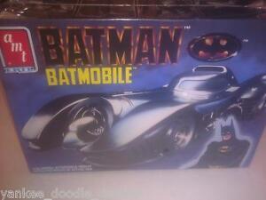 BATMAN-BATMOBILE-AMT-ERTL-6877-MODEL-KIT-1989-SEALED-RARE-AWESOME-U-NEED-THIS