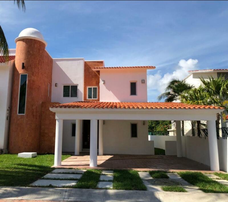 Casa en venta en Cancún/Zona Hotelera/Isla Dorada