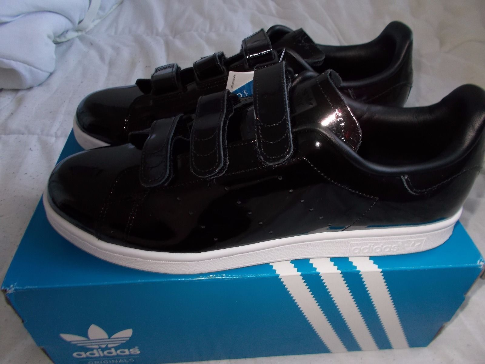f292323a26d15 chic ADIDAS ORIGINALS Stan Smith CF shiny black leather trainers - size 10