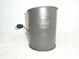 Vintage Bromwell's Aluminum Metal 3 Cup Flour Measuring Sifter Made in USA