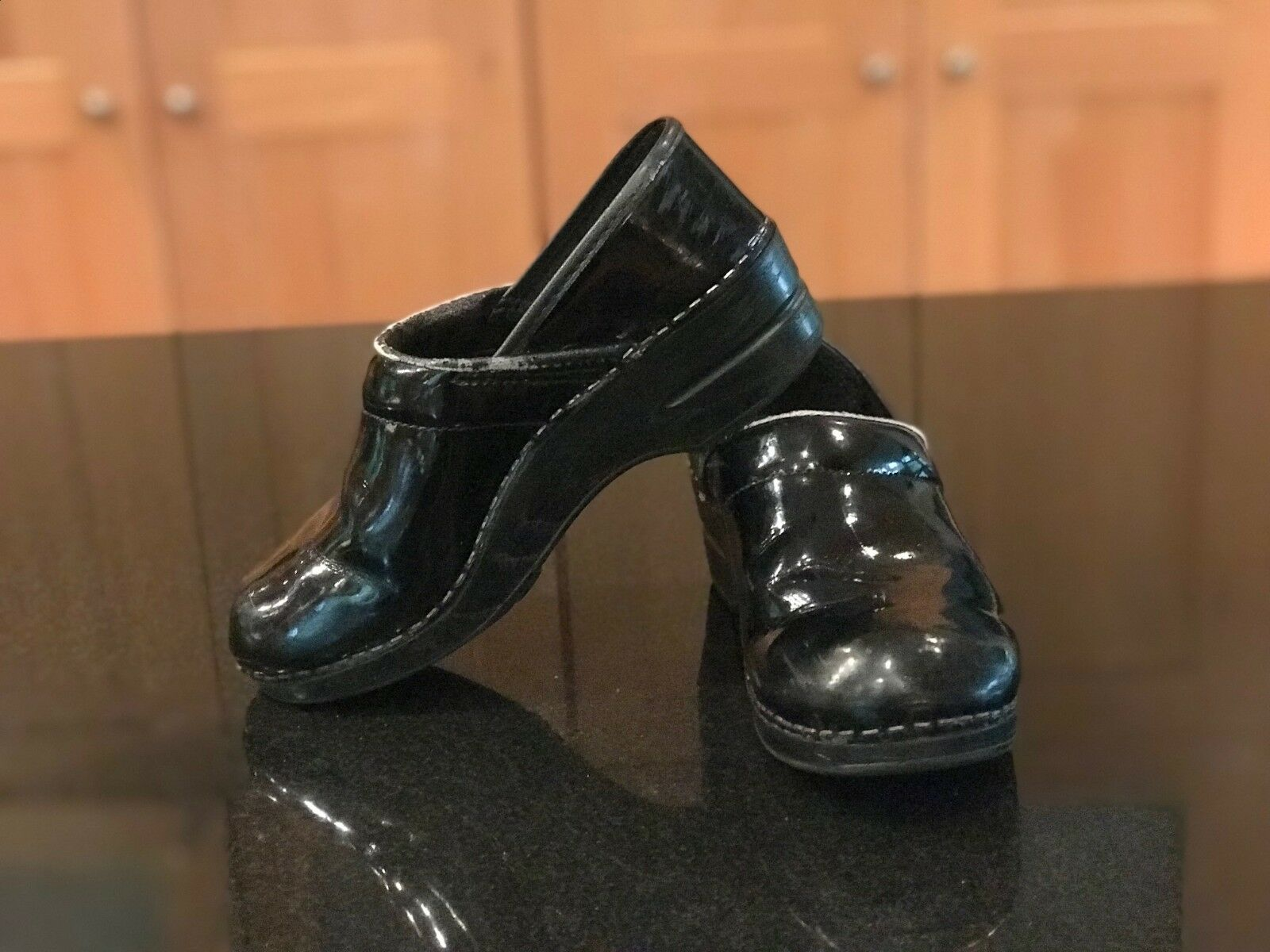 Dansko Pro Black Patent Leather Professional Clogs Women's 36 / 5.5-6 US
