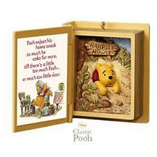 2009 Hallmark WINNIE the POOH Book #12 Ornament A SNACK FOR POOH *Priority Ship