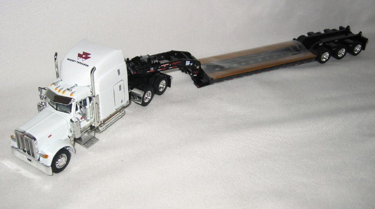 DCP 379 PETERBILT bianca SLEEPER CAB MASSEY FERGUSON & FONTAINE LOWBOY TRL. 1 64