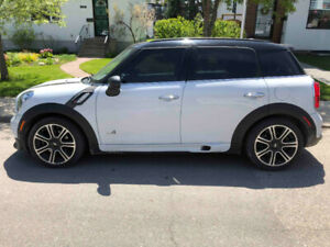 2014 MINI Countryman Cooper S with John Cooper Works package
