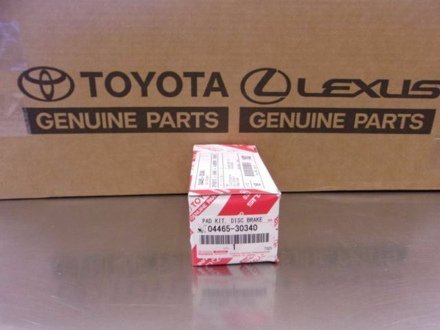 LEXUS OEM FACTORY FRONT BRAKE PAD SET 2006 GS300 2WD AND AWD MODELS