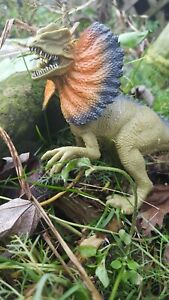 Dilophosaurus-Dinosaur-Micro-Tube-Cache-Container-Geocaching-comes-w-Log-Book