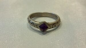 Stamped-MWD-amethyst-silvertone-gemstone-band-ring-sz-6-1-4-chevron-swirl-3-27g