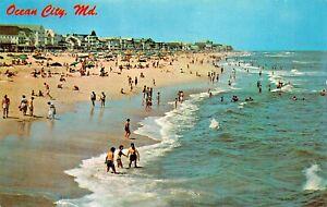 OCEAN-CITY-MD-COTTAGE-LINE-amp-BEACH-SCENE-LOOKING-NORTH-1964-POSTCARD