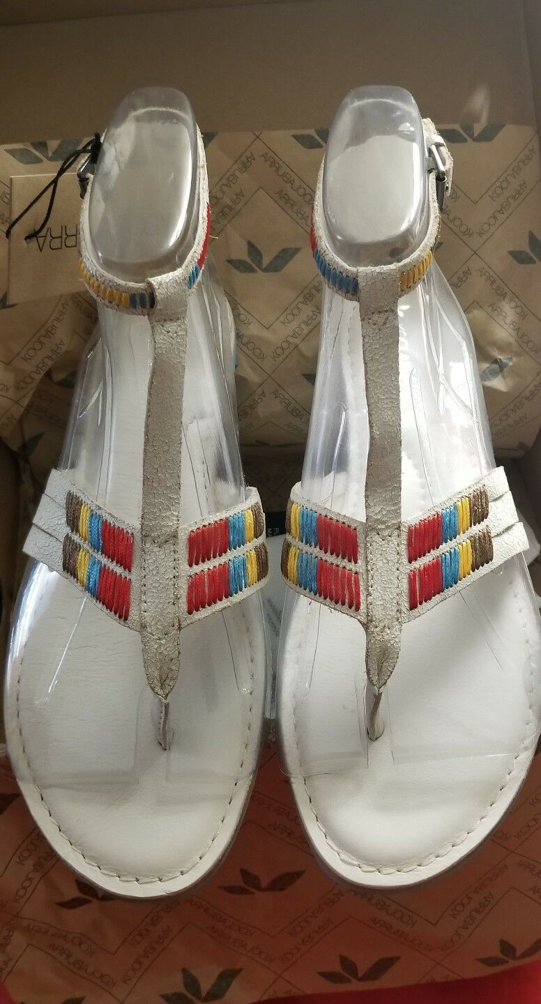 NEW Koolaburra White Leather Rulu Gladiator Embroidered Women's Sandals shoes 10