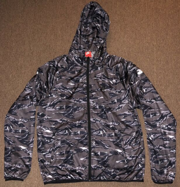 Nike Men's Packable Windrunner Camo Jacket Size L