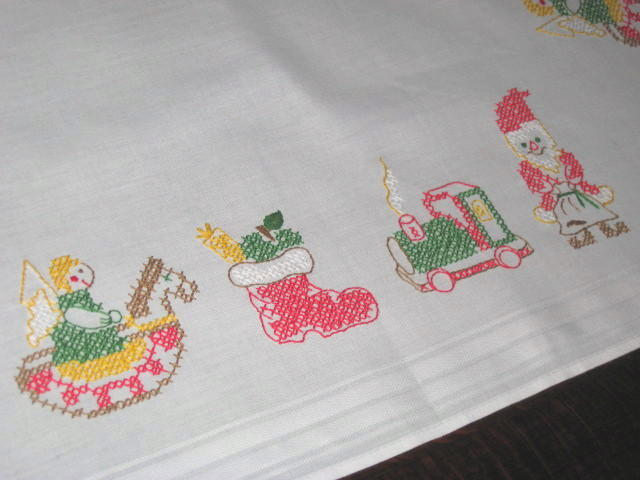 ANGEL, SANTA, TOYS & TRAIN  VTG GERMAN CHRISTMAS HAND EMBROIDErouge TABLECLOTH