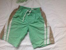 MEXX Gr. 122 128  kurze Hose Shorts Badehose Badeshorts grün weiß cool
