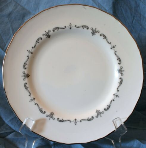 "1963 Royal Worcester Silver Chantilly 8"" SaladLuncheon Plate Ex Cond"