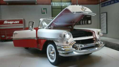 G LGB 1:24 Scale 1955 Oldsmobile Super 88 22432 Detailed Welly Diecast Model Car