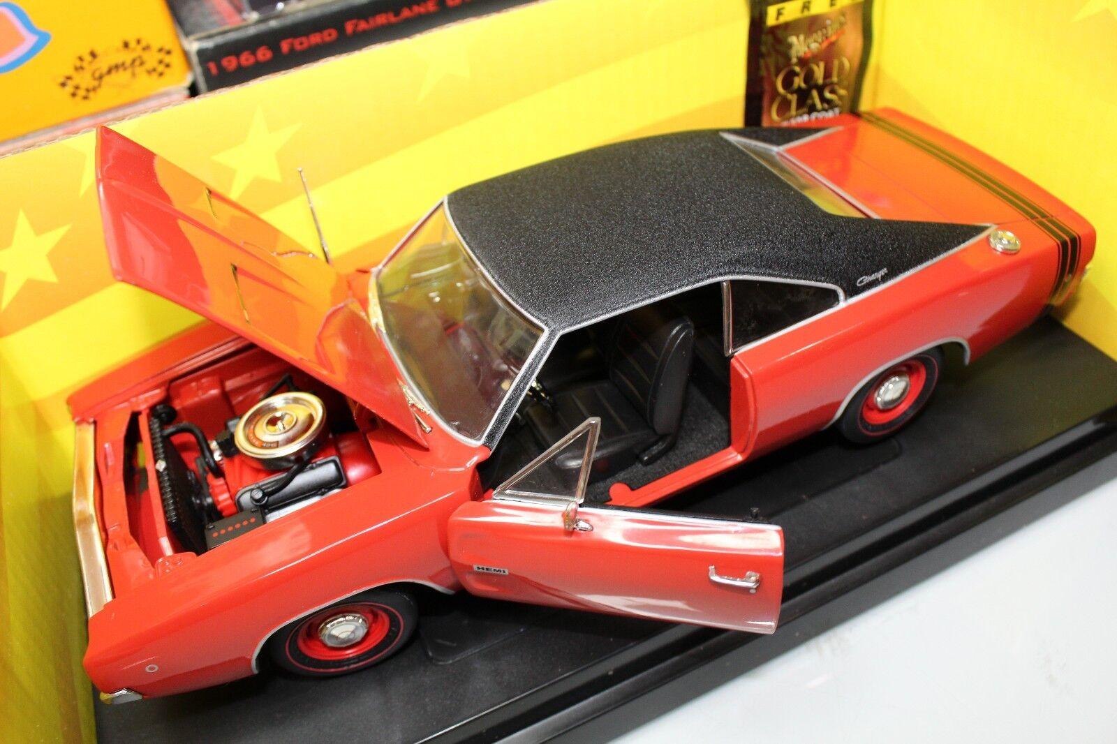 saludable Ertl 1 18 American American American Muscle 10 años 1968 Dodge Cochegador R T (rojo con techo negro)  vendiendo bien en todo el mundo