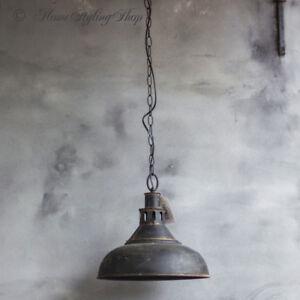 Haengelampe-Eisenlampe-Metalllampe-Schwarz-Industrielampe-Loftlampe-Vintage-Lampe
