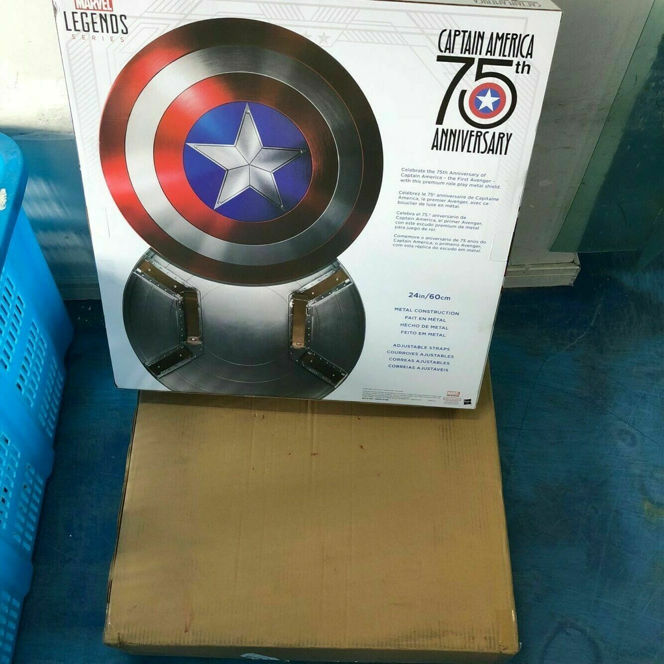 In magazzino Marvel Capitan America 75th ANNIVERSARIO Avengers SCUDO in in in lega di mettuttio NUOVO 2f2bea
