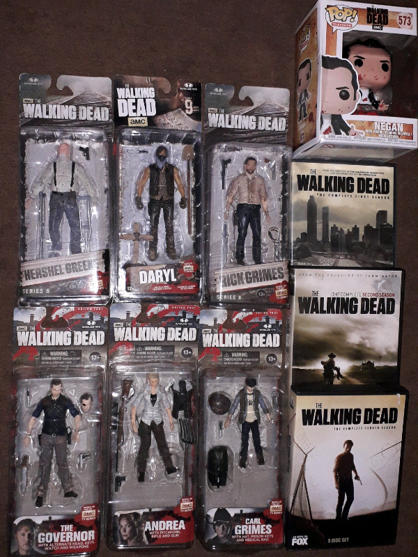 THE WALKING DEAD FIGURE LOT