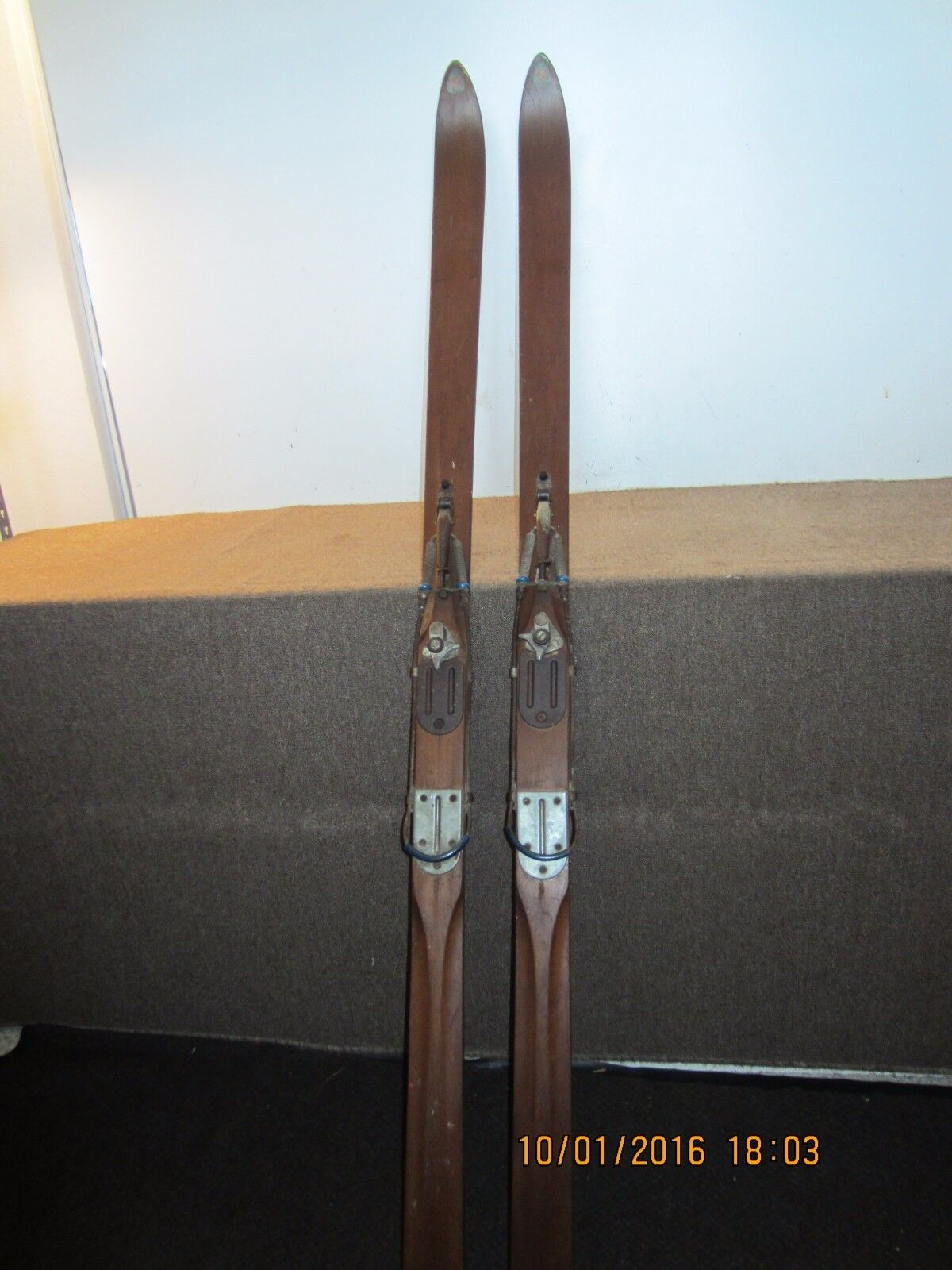 PR OF VINTAGE CROSS COUNTRY SKIS & POLES