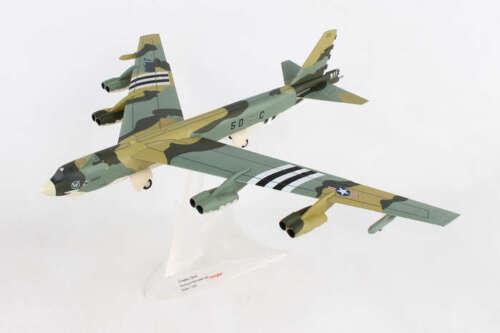 Herpa 559003 USAF B-52H Stratofortress K.I.Sawyer AFB Diecast 1//200 Jet AV Model