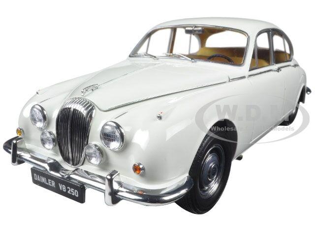 1967 - daimler v8-250 englisch weiße unerläßlich 1   18 ein diecast modell - auto von paragon 98313