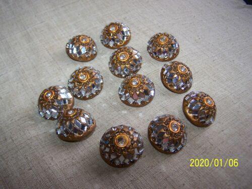 N°109 Bouton bijoux ancien en forme de dôme à facettes à vitraux et strass